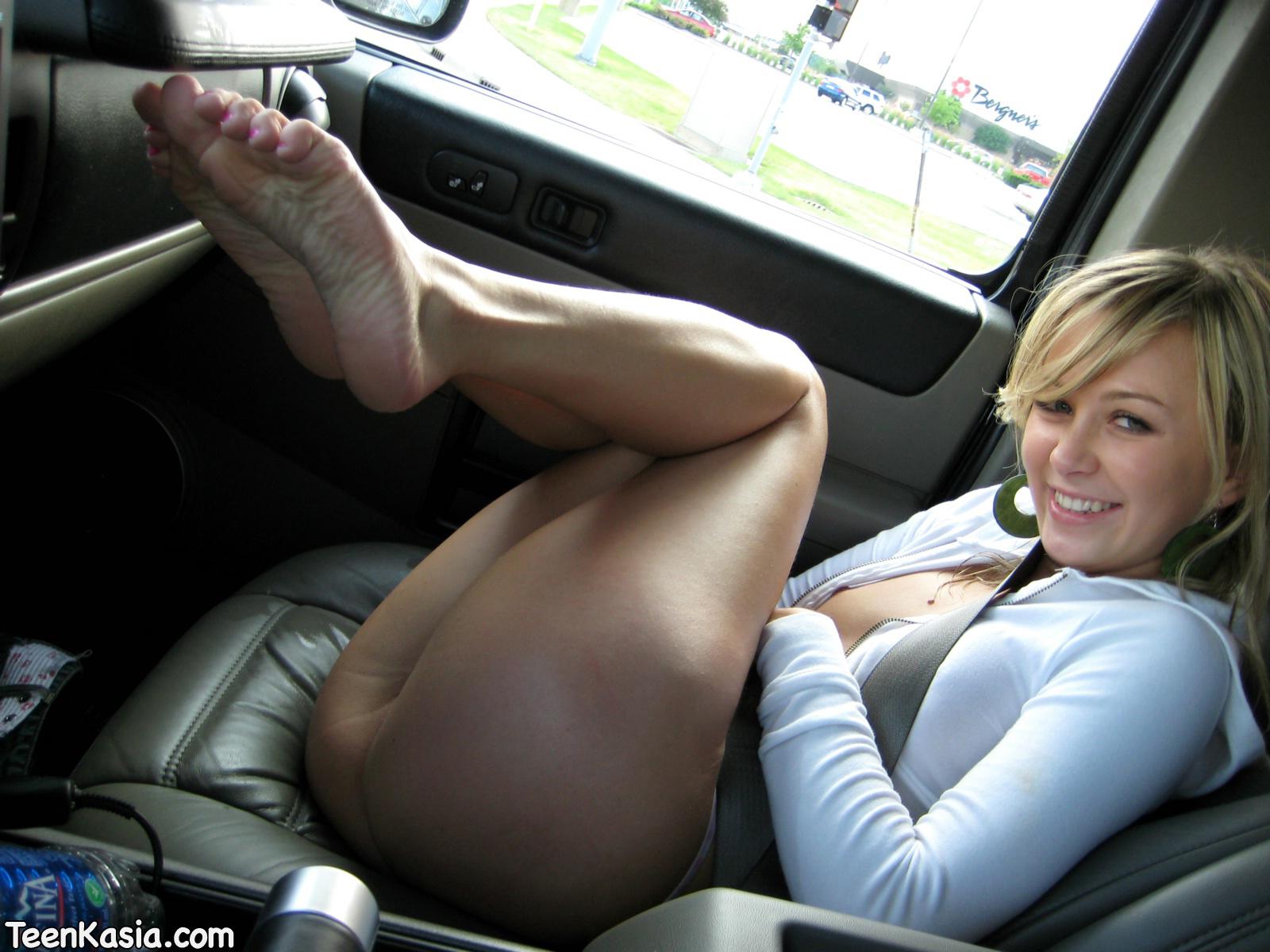 Women wash car naked