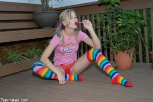 Teen Kasia in Pig Tails Enjoying Blow Pop