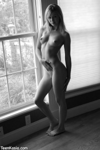 Teen Kasia in Sexy Black and White